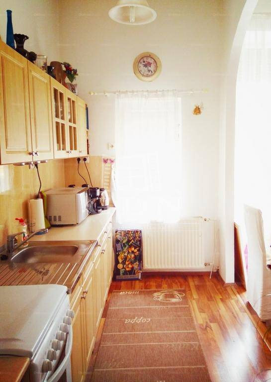 Balatonfüredi lakás eladó, 53 négyzetméteres, 2 szobás