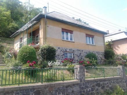 Salgótarjáni ház eladó a Kun utcában, 78 négyzetméteres