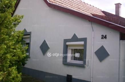 Eladó ház Madaras a Táncsics Mihály utcában, 3 szobás
