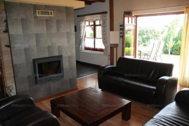 Tordas eladó családi ház Csillagfürt lakókert