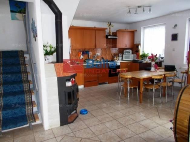 Eladó ház Szigetszentmiklós, Kakukkfű utca, 4+2 szobás