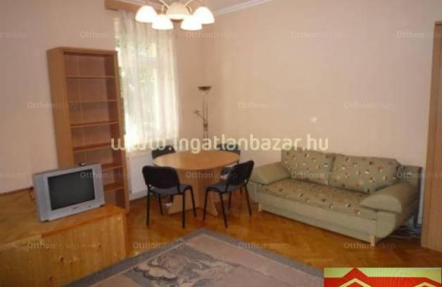 Szeged 1 szobás lakás kiadó a Szentháromság utcában