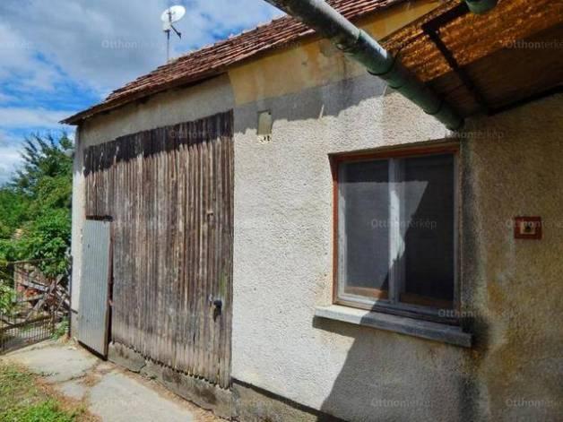 Molnári családi ház eladó, 3 szobás