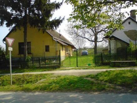 Szabadhídvég 3 szobás családi ház eladó az Iskola utcában 10-ben
