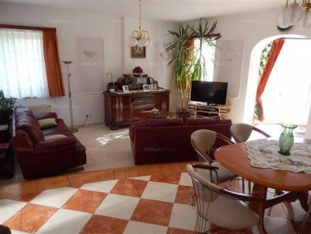 Igali családi ház eladó, 213 négyzetméteres, 4 szobás