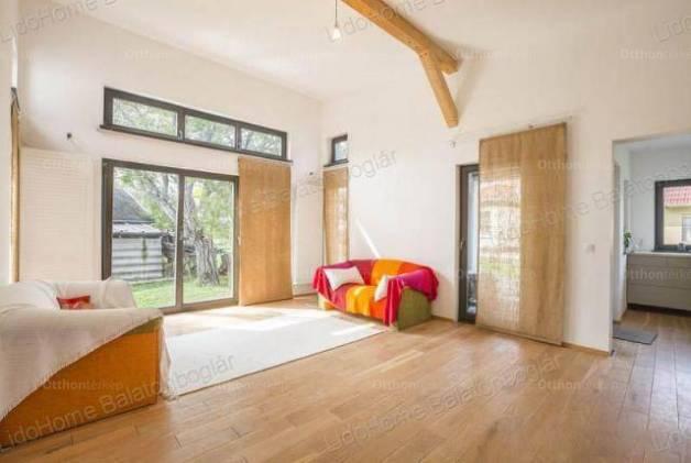 Családi ház eladó Balatonkeresztúr, 107 négyzetméteres