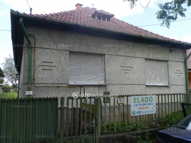 Lőrinci eladó ház az Árpád utcában