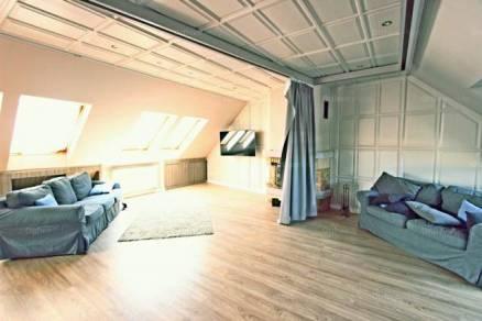 Budapesti lakás eladó, Erzsébetvárosban, Dob utca, 3 szobás