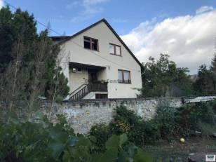 Budapest családi ház eladó, 5+2 szobás