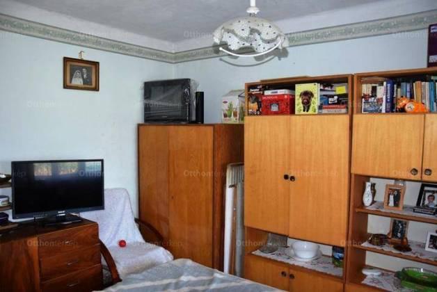 Debrecen 1 szobás családi ház eladó