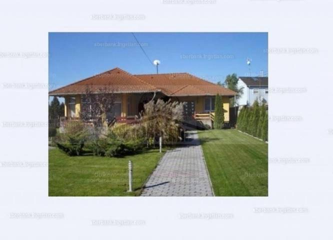 Dunavarsányi eladó családi ház, 1+2 szobás, 161 négyzetméteres