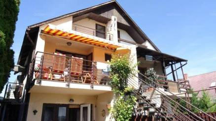 Ikerház eladó Balatonalmádi, 84 négyzetméteres