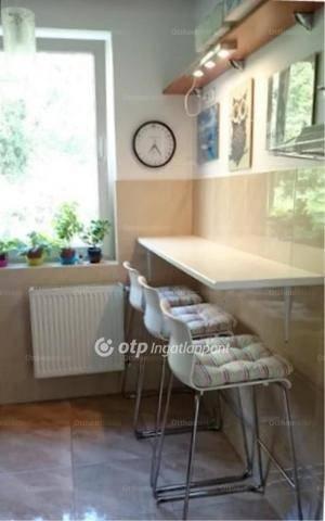Budapesti lakás eladó, 65 négyzetméteres, 2 szobás