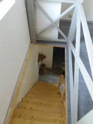Debreceni kiadó házrész, 1 szobás, 35 négyzetméteres