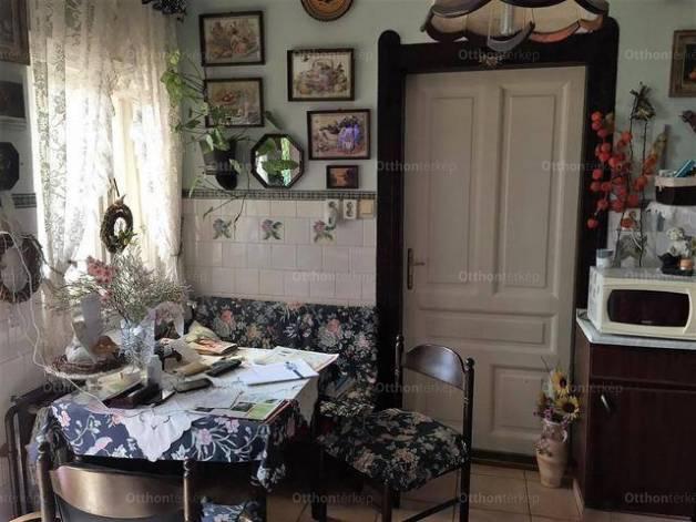 Eladó 2 szobás családi ház Kispesten, Budapest, Csillag utca