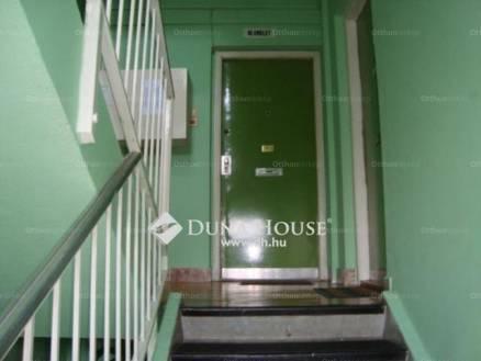 Eladó 1+1 szobás lakás Rákoskeresztúron, Budapest, Pesti út