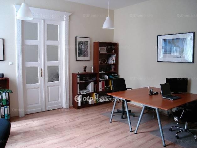 Eladó 2 szobás lakás Belvárosban, Budapest, Kálvin tér