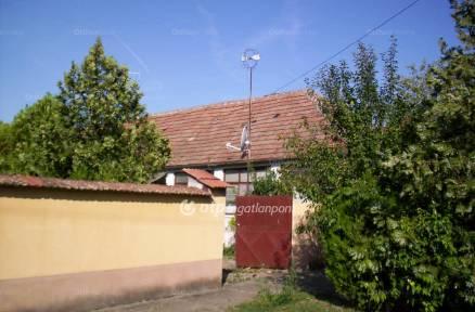 Garai ház eladó a Dózsa György utcában, 98 négyzetméteres