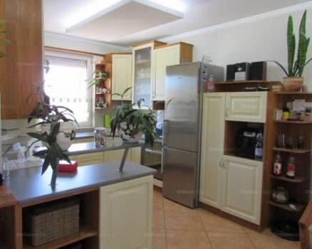 Családi ház eladó Debrecen, 127 négyzetméteres