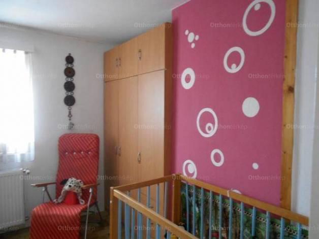 Eladó családi ház Ócsa, 3+4 szobás