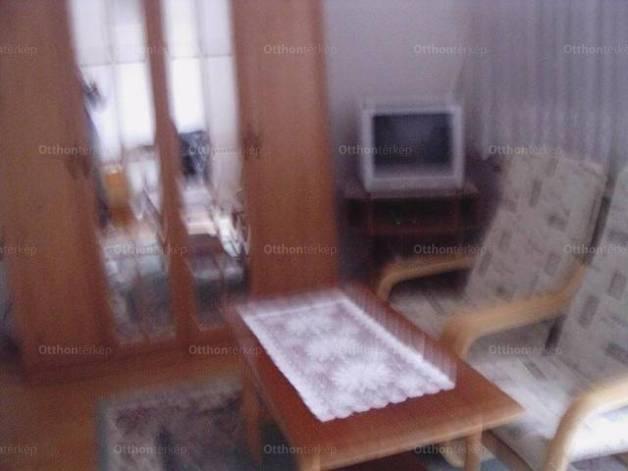 Eladó családi ház Kapuvár, 4+1 szobás