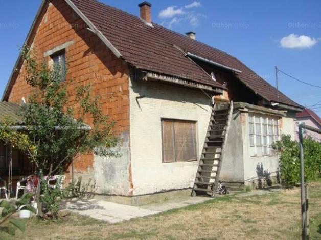 Eladó családi ház, Mezőberény, 2+1 szobás