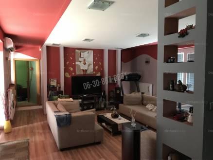 Eladó ház Dunaújváros, 4 szobás