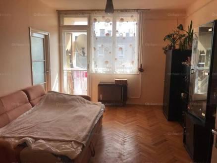 Bajai eladó lakás, 1+1 szobás, 55 négyzetméteres