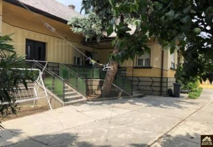 Eladó családi ház, Dabas, 4 szobás