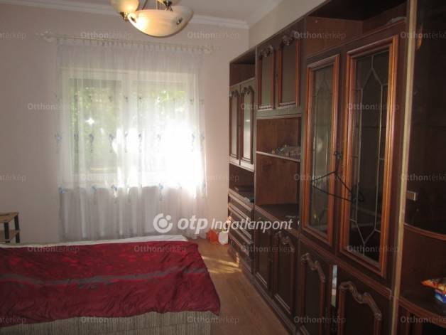 Eladó ház, Szeged, 3 szobás