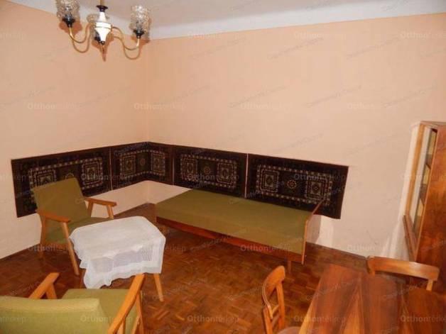 Eladó családi ház, Csorna, 2+1 szobás