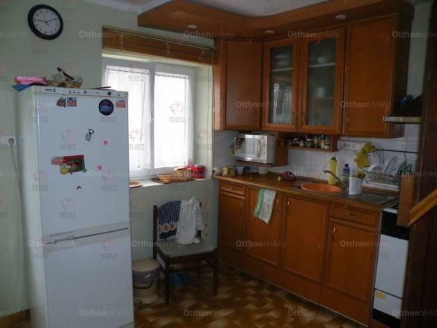 Eladó 2+2 szobás ház Kulcs