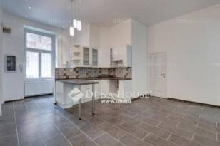 Eladó lakás, Budapest, Terézváros, 2 szobás