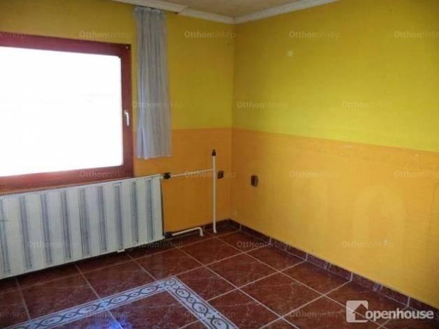 Eladó családi ház, Szár, 7 szobás