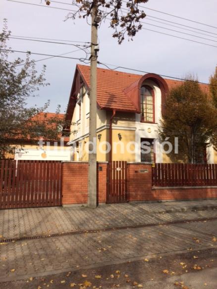Székesfehérvári családi ház eladó Géza utca, 280 négyzetméteres