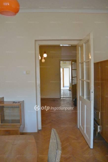 Pécsi eladó lakás, 2 szobás, 58 négyzetméteres