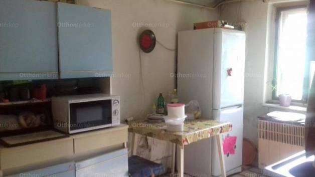 Eladó családi ház, Albertirsa, 2 szobás