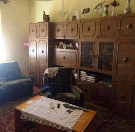 Eladó családi ház Jakabszállás, 2+1 szobás
