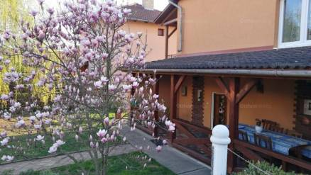 Eladó családi ház Debrecen, 5 szobás