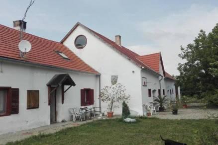 Családi ház eladó Nemeskocs, a Petőfi utcában, 420 négyzetméteres