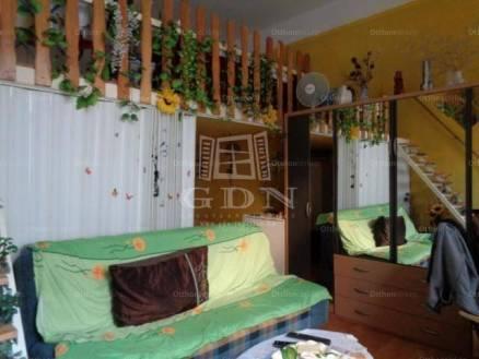 Budapesti lakás eladó, 31 négyzetméteres, 1 szobás