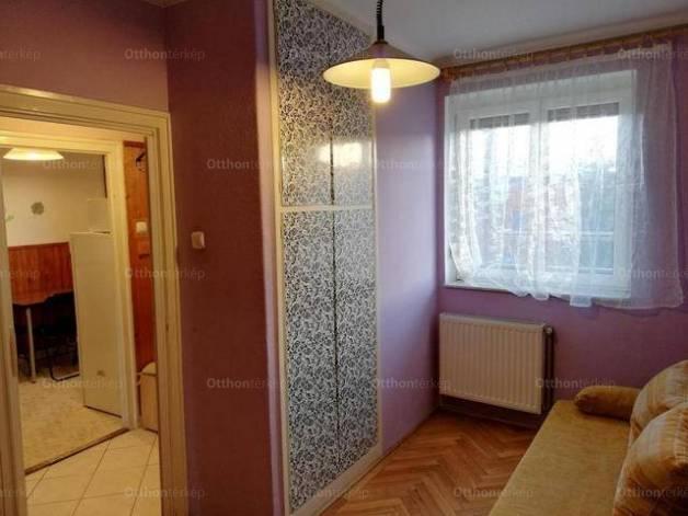 Soproni lakás eladó, 52 négyzetméteres, 2+1 szobás