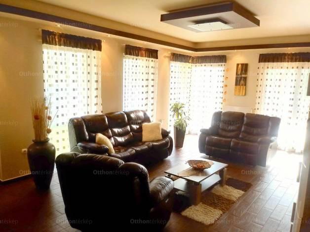 Ház eladó Mosonmagyaróvár - Wittmann Antal utca, 214 négyzetméteres