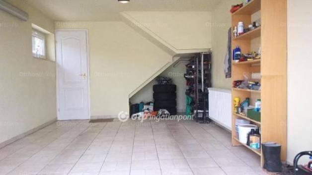 Veresegyház 3+3 szobás családi ház eladó