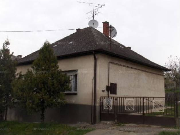 Eladó ház Kaposvár, 4 szobás