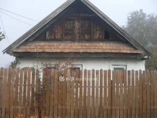 Zagyvaszántó családi ház eladó, Köztársaság út, 1+2 szobás