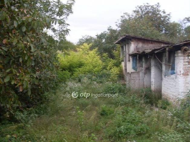 Nagykökényes családi ház eladó, Petőfi út, 2 szobás