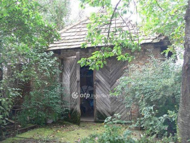 Lőrinci eladó családi ház, 2+1 szobás, 80 négyzetméteres