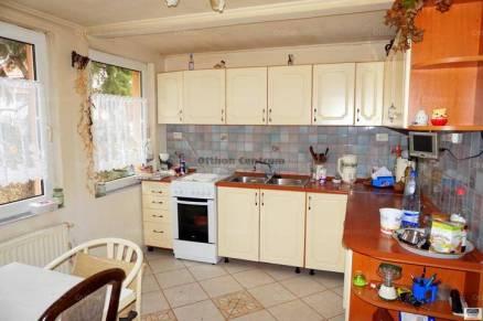 Eladó 4 szobás családi ház Dunakeszi