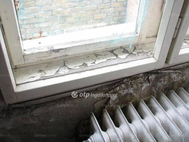 Lőrinci 6 szobás családi ház eladó a Meggyfa utcában